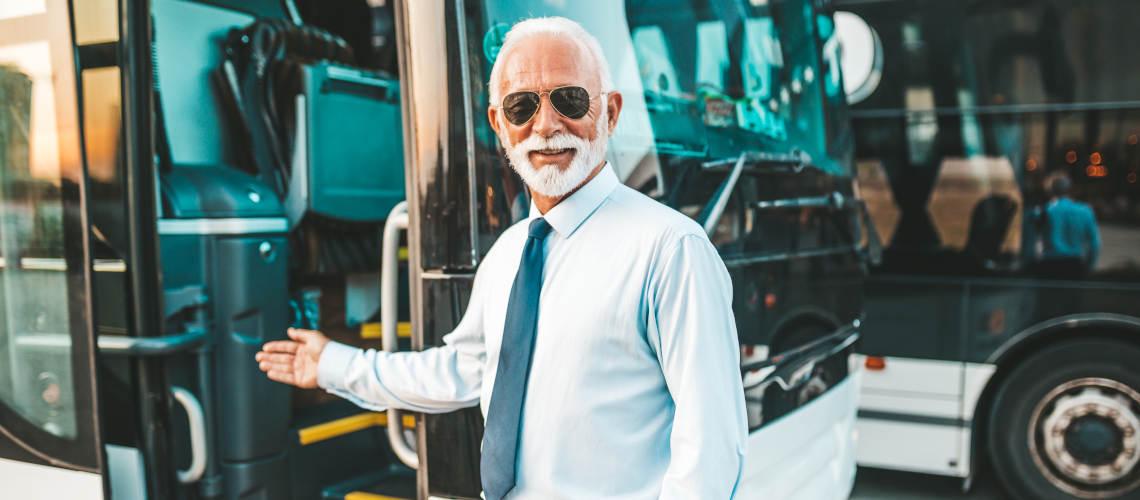 Pronájem autobusů s řidičem